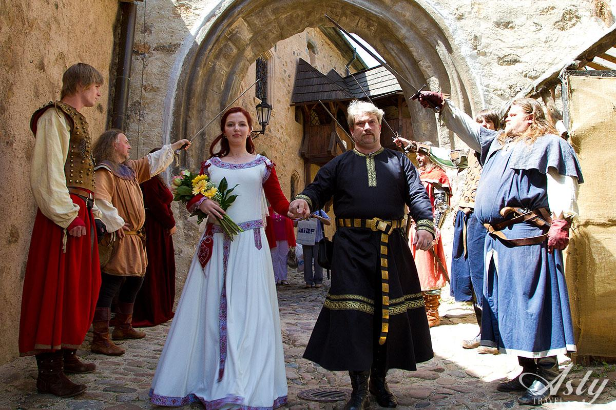 medieval wedding traditions - HD1200×800